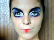Ako nalíčiť veľké nadpozemské oči - líčenie na halloween