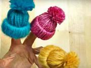 Ozdobné mini čepice - vlněné mini čepice