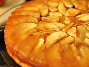 Jablková torta - recept na obrátený jablkový koláč