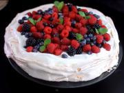 Pavlova torta s ovocím - recept na Pavlovu tortu s ovocím