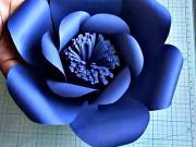 Kvet z papiera - ako vyrobiť modrý papierovy kvet