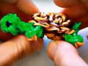 Korytnačka z gumičiek - prívesok z gumičiek