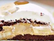 Banánová torta - recept na banánový zákusok s karamelovo-smotanovým krémom