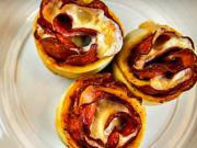 Pizza muffiny - recept na pizza muffiny so salámov a syrom