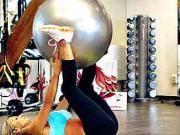Cviky s míčem - komplexní trening na gymnastickém míči
