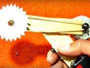 Mini pílka z vrchnáku od konzervy - ako vyrobiť malú elektrickú pílku - DIY