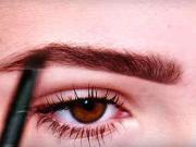 Obočie a make up  - ako si upraviť obočie a make up