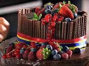 Narodeninová torta -  recept na čokoládovo - orechovú tortu s ovocím
