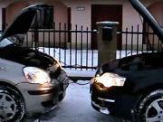 Štartovanie auta cez kable - Štartovanie auta pomocou štartovacích káblov -