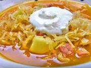 Domáca kapustnica -  recept na kapustovú polievku s udeným mäsom a zemiakmi