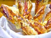 Slané tyčinky z lístkového cesta plnené šunkou a syrom - recept na party tyčinky