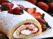 Jahodová roláda - recept na tvarohovo-jahodovou roládu