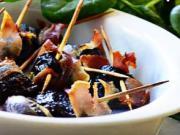 Pečené švestky v slanině - recept na pečené švestky obalené slaninou