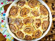 Kysnutý koláč zo škoricových slimákov - recept
