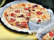Slaný koláč - recept na koláč s 3 druhy sýra, rajčaty a artyčoku