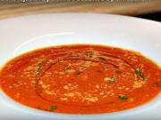 Paradajkova polievka s bazalkou a parmezánom - recept