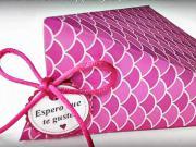 Krabička na darčeky - balenie trojuholníkových darčekov