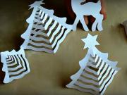 Papierový vianočný stromček - vianočný stromček z papiera