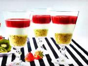 Tříbarevný pohár s tvarohovou pěnou - dezert do sklenice