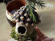 Vtáčia búdka na vianočný stromček