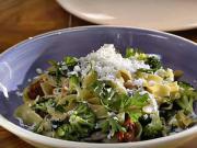Cestoviny s kuracím mäsom, brokolicou a sušenými paradajkami - recept