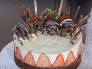 Čokoládová torta - recept na čokoládovú tortu s tvarohovým krémom a jahodami