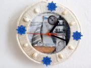 Ako zmeniť obyčajné drevené hodiny na spomienku na dovolenku