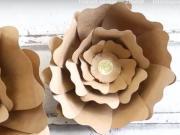Ako vyrobiť z papiera kvetinu