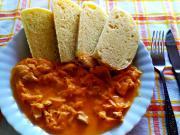 Segedínsky guláš z kuracieho mäsa. Ľahšia verzia obľúbeného jedla.