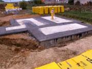 Murovanie prvého radu muriva - Staviame dom s YTONG