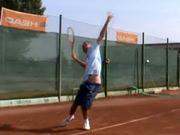 Tenisové podanie - ako správne podávať pri tenise